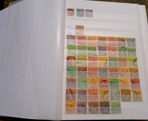 Fine collection of Australian stamps in stock book