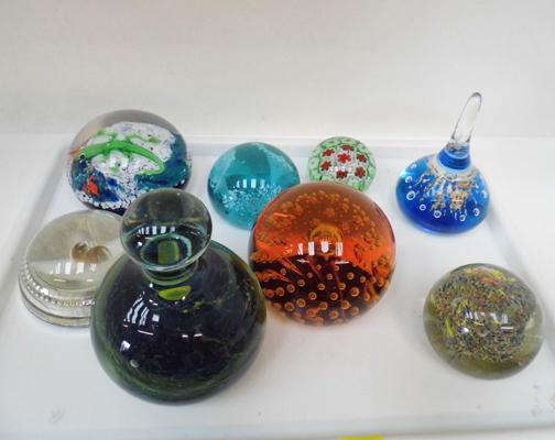 8x Paperweights