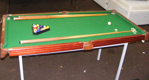 Snooker/pool table with pool balls & cues etc... (table top only, no legs)