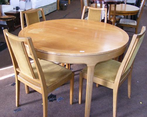 Retro Nathan table & four chairs