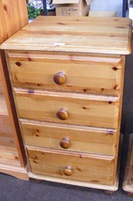 Four drawer chest of drawers, pine