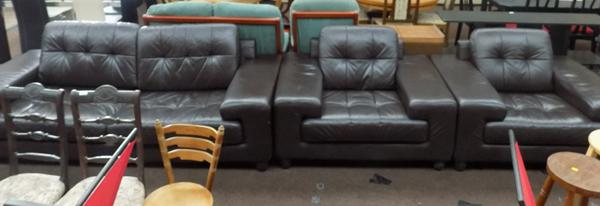 3 seater leather sofa and 2 chairs
