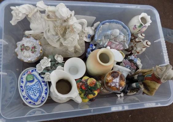 Box of mixed ornaments, incl. Aynsley & Wedgwood