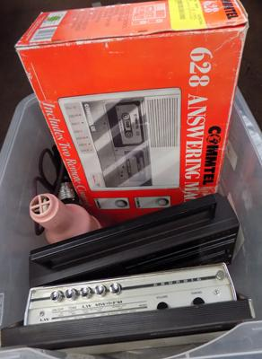 Box of vintage electricals, incl. hairdryer & radios