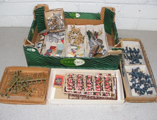 Box of hand painted soldier & knights, sets, various Regiments etc