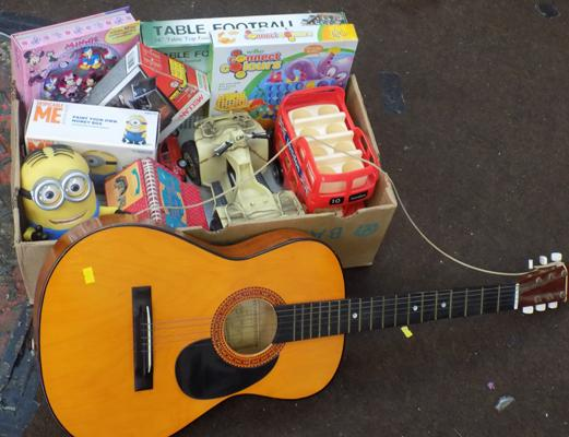 Box of mixed toys incl. child's guitar