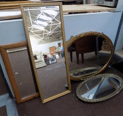 Set of 4 mirrors (oval & rectangular)