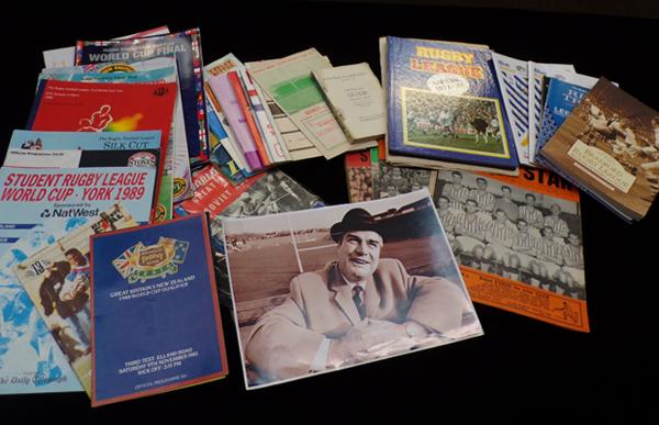 Box of over 50 old sport's programmes (rugby, speedway, soccer stars)