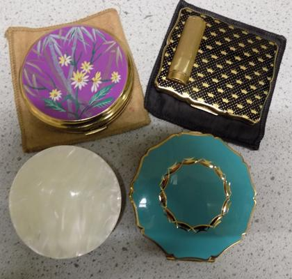 4x Vintage compact cases
