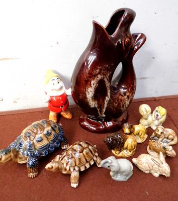 Assortment of collectable ceramics inc Whimsies