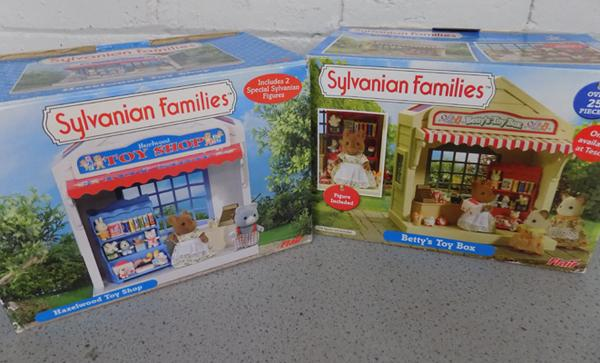 Sylvanian Families Betty's Toy Box (Flair 4036) + Hazelwood Toy Shop (Flair 4955)