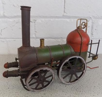 Tinplate vintage steam driver 1910 traction engine