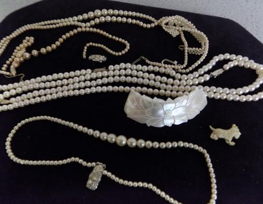 Collection of real & costume pearls