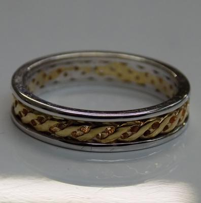 9ct Yellow & white gold Celtic ring size N1/4