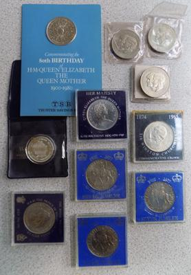 Assortment of commemorative coins inc proof 2001 5 crown coin & Queen Mothers 80th Birthday coin