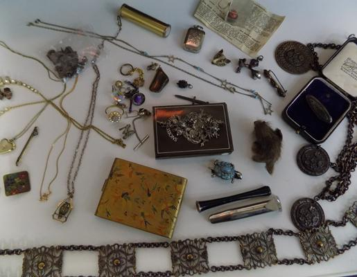 Collection of vintage jewellery & items inc sterling silver & rolled gold