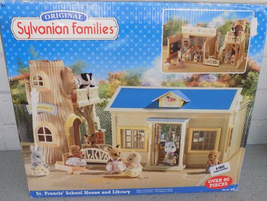 Sylvanian Families St Francis School Halls & Library (Epoch 4912)