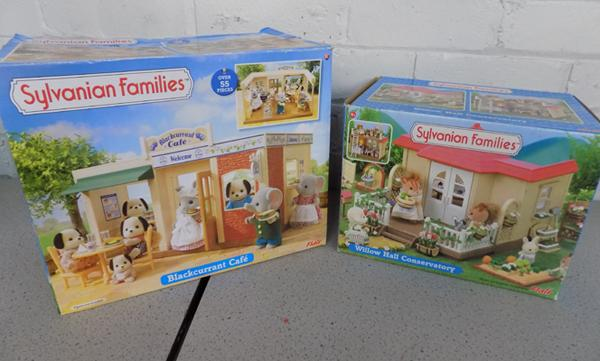 Sylvanian Families Willow Hall Conservatory (Flair 4963) + Blackcurrant Cafe (Flair 4790)