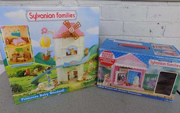 Sylvanian Families Primrose Baby Windmill (Flair 4970) + Village Boutique with Madeline Merryweather (Epoch 4920)