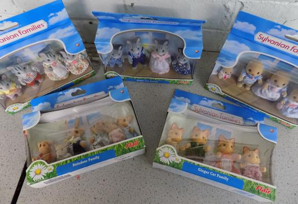 Sylvanian Families collection of 5 Flair figures