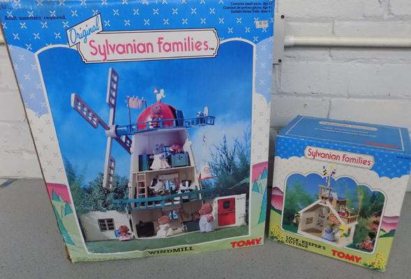 Sylvanian Families Windmill (Tomy 3177) + Lock Keepers Cottage (Tomy 3035)