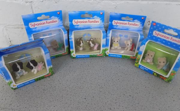 Sylvanian Families 5 sets of twins figures (Flair)
