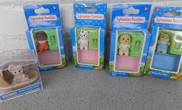 Sylvanian Families 5 sets of baby figures