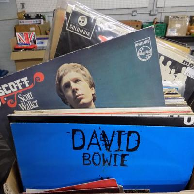 Box of records incl. Bowie, Beatles, mixed rock etc.