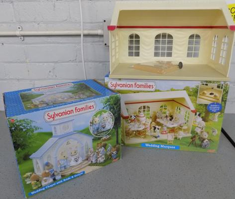 Sylvanian Families Wedding Marquee (Flair 4778) + Wedding Chapel with bride & groom (Flair 4971)