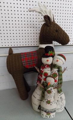 2x Quality Christmas decorations, reindeer & snowman family-new