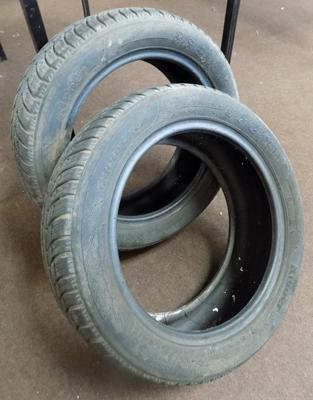 Pair of winter snow tyres