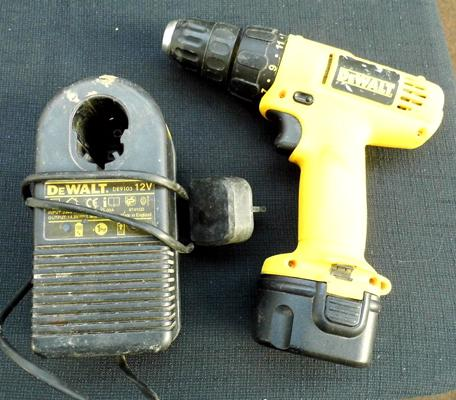 Dewalt rechargeable drill with charge w/o