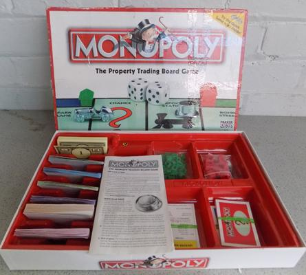 Monopoly board game - in box, complete incl. instructions