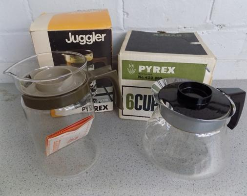 2x Vintage 1970's Pyrex in box - never used (new, old style)