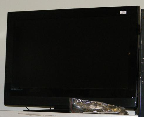32 inch TV with remote & instructions w/o