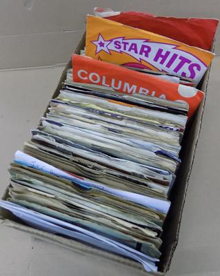 Box of 1970's records singles approx. 135