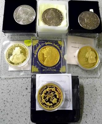 Assortment of collectable coins incl. 3x £5 coins