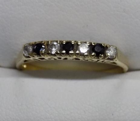 9ct gold garnet 'I Love You' ring - size Q
