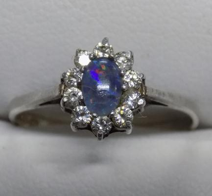 9ct white gold opal cluster ring - size S