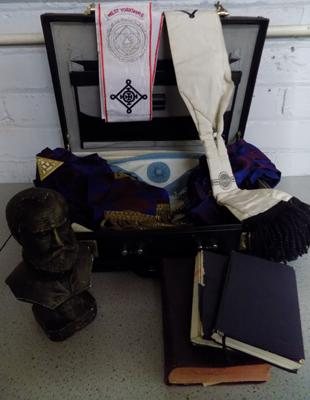 Collection of Masonic items incl. brief case