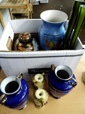 Mixed box of vases