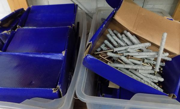 Large collection of screws with plugs M8x80