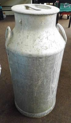 Large milk churn with lid