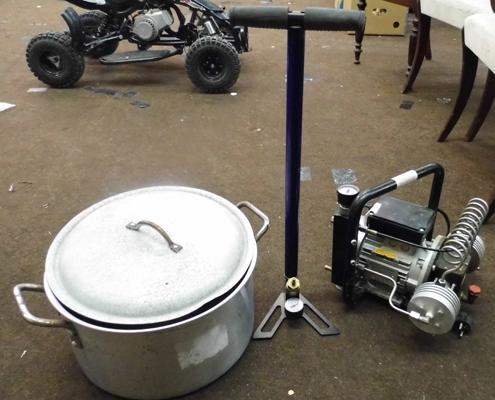 Compressor w/o + floor pump + alloy cooking pan with lid