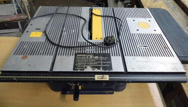 MacAllister tablesaw with laser 1500w COD250LTS