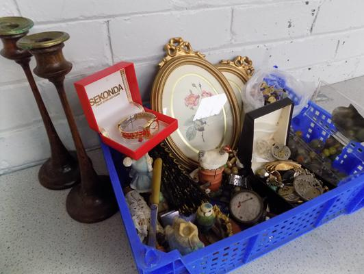 Collection of vintage items & collectables inc jewellery, brooches, early marbles, watches, treen Victorian candlesticks etc