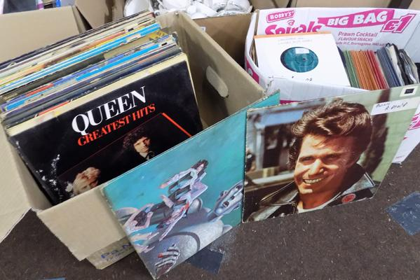 "Box of LP records inc Queen, Happy Days + box of 7"" singles"