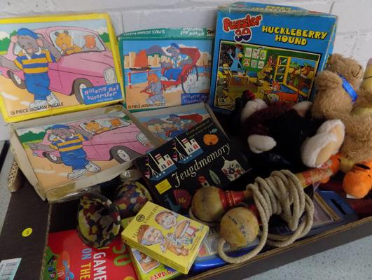 Box of vintage card games & toys inc 6x 1950's Michael Stansfield wood jigsaw (all complete)