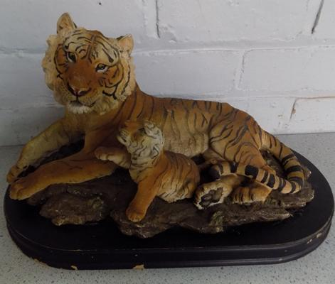 Large vintage tiger & cub on plynth