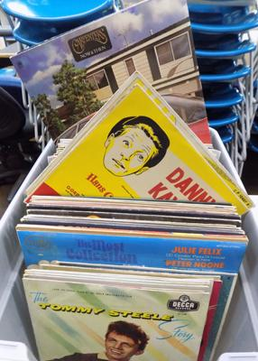 Box of mixed records-70's easy listening